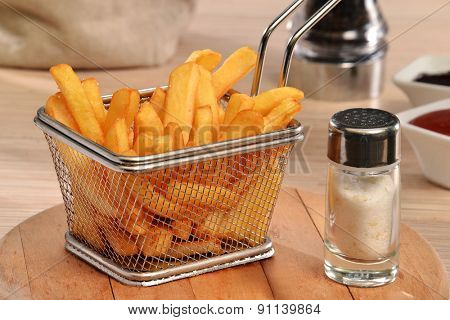 Fried potatoes chest and sauces dip.