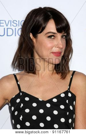LOS ANGELES - MAY 18:  Lindsay Sloane at the CBS Summer Soiree 2015 at the London Hotel on May 18, 2015 in West Hollywood, CA