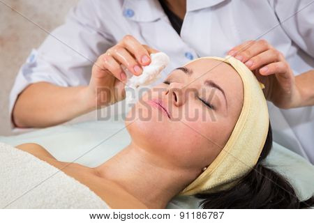 Medical cosmetic procedure. Mikronidling.