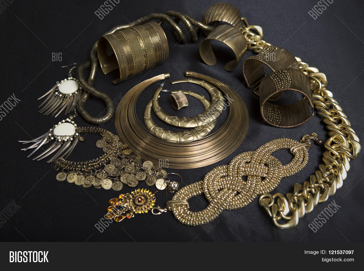 Exotic fashion jewelry - Beautiful Oriental Gold Jewelry Indian Arab African Egyptian Fashion Exotic Accessories Asian Gold