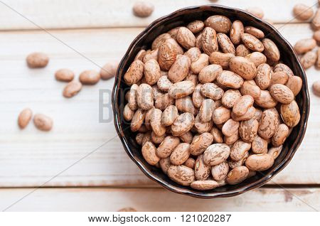 Healthy Brown Pinto Beans with High Fiber and Low Fat Contents