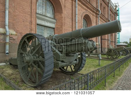 203-mm Howitzer British Brand Vi (1917). Weight, Kg: Guns - 16400, Shell - 88.6