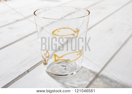 Crystal Drinking Glass With Yellow Fish Design