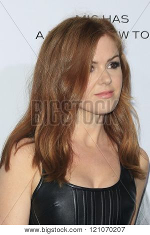 LOS ANGELES - MAR 3:  Isla FIsher at the The Brothers Grimsby Premiere at the Regency Village Theater on March 3, 2016 in Westwood, CA