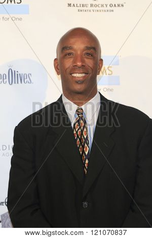 LOS ANGELES - MAR 5:  Mike Sherrard at the Children International Charity's Share The Love Around The World Fundraiser at the Rocky Oaks Malibu on March 5, 2016 in Malibu, CA