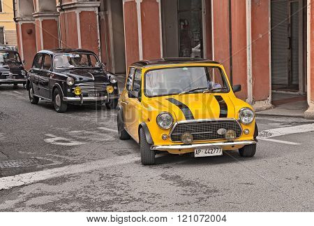 vintage british car Mini Cooper 1300