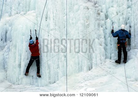 couple ice climb together