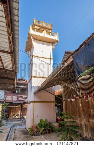 Tower Staking Out Thief At Kao Hong Market, Thailand
