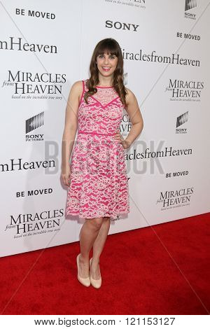 LOS ANGELES - MAR 9:  Amanda Markowitz at the Miracles From Heaven Premiere at the ArcLight Hollywood Theaters on March 9, 2016 in Los Angeles, CA