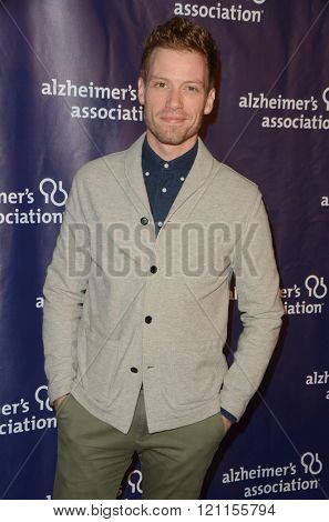 LOS ANGELES - MAR 9:  Barrett Foa at the A Night at Sardis - 2016 Alzheimer's Association Event at the Beverly Hilton Hotel on March 9, 2016 in Beverly Hills, CA