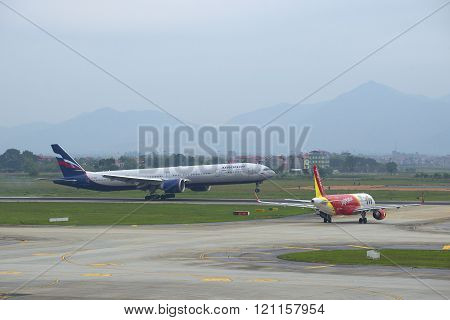 Landing of Boeing 777-3M0 (VP-BGC) Aeroflot at the airport Noi Bai. Hanoi, Vietnam