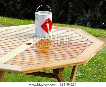 Emphasize Wooden Table With Half Oil