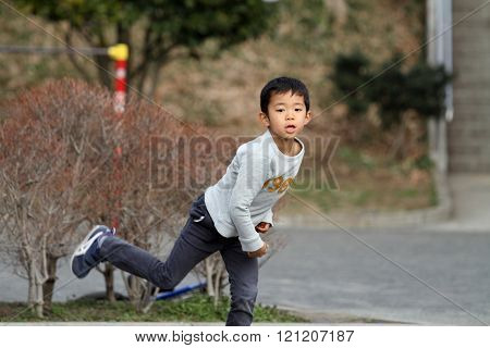 Japanese boy playing catch (6 years old)