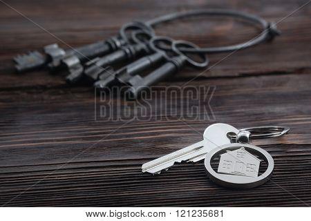 Keychain figure of house and key