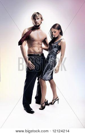 Mode-Stil-Foto des ein attraktives Paar