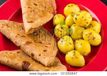 dray potato curry or potato bhaji or aalu bhaji and chapati
