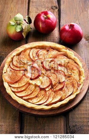 Aple Pie And Fresh Apples
