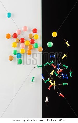 set of color push pins
