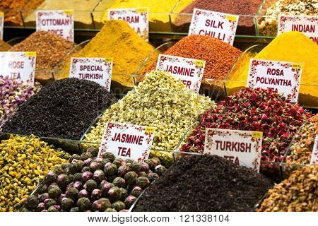 teas and spices market egipetskom in Istanbul