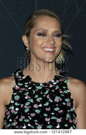 LOS ANGELES - MAR 1: Teresa Palmer attends the Premiere of Broad Green Pictures' 'Knight of Cups'  at The Theatre at Ace Hotel on March 1, 2016 in Los Angeles, California
