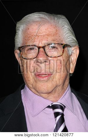 LOS ANGELES - MAR 10:  Carl Bernstein at the Everything Is Copy LA Premiere at the TCL Chinese 6 Theaters on March 10, 2016 in Los Angeles, CA