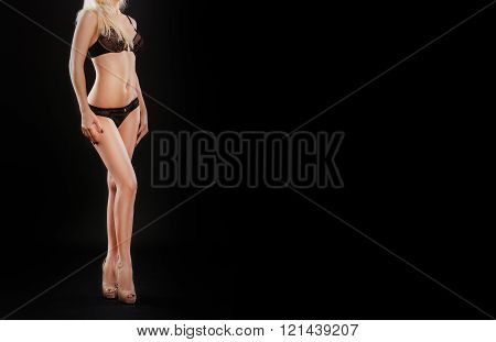 Cropped image of beautiful young woman with perfect, slim body