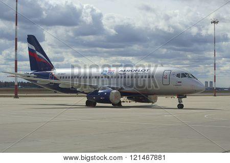 Aircraft Suhkoi SuperJet 100-95