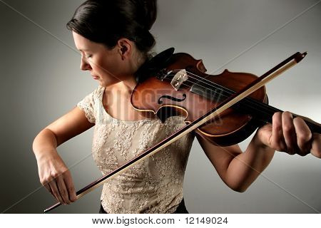/young woman playing the violin