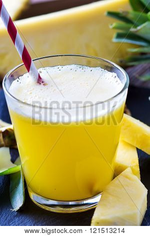 Pineapple Smoothie With Fresh Pineapple