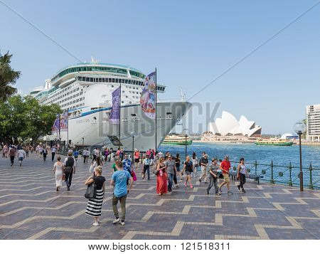 Cruise Ship Voyager Of The Seas, Sydney