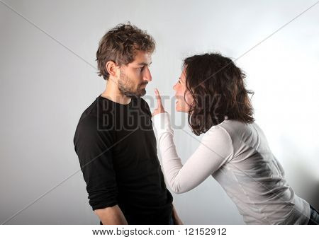 briga entre homem e mulher