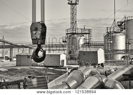 Disassembly Of Pipes By Crane