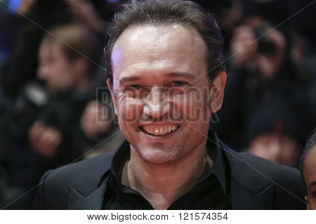 Vincent Perez attends the 'Alone in Berlin' (Jeder stirbt fuer sich) premiere during the 66th Berlinale Film Festival Berlin at Berlinale Palace on February 15, 2016 in Berlin, Germany.