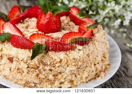 Mille-feuille cake with fresh strawberry