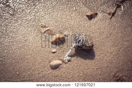 Key to the lake sand