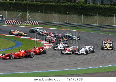 Start of F1 race Kuala Lumpur 2008
