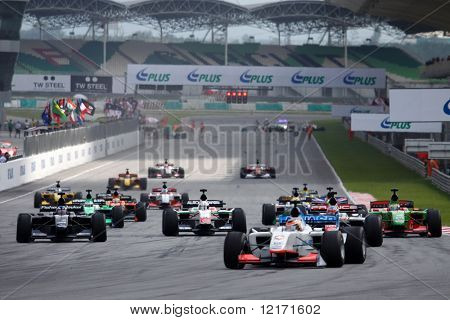 Sepang, MALAYSIA - 23 November: Start of the race at the World A1 GP championship races held in Malaysia. 23 November 2008 in Sepang International Circuit Malaysia.