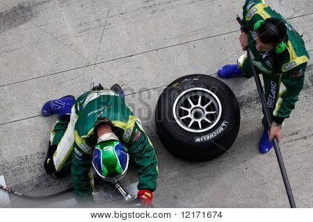 Sepang, MALAYSIA - 23 November: Tire change for team Ireland at the pits at the World A1 GP championship races held in Malaysia. 23 November 2008 in Sepang International Circuit Malaysia.