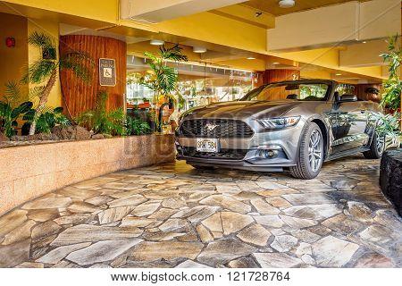 Gray Mustang sportscar