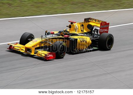 KUALA LUMPUR - APRIL 2: Renault F1's Robert Kubica takes to the tracks on practice day at the 2010 Petronas Malaysia F1 Grand-Prix on April 2, 2010 in Sepang, Malaysia.
