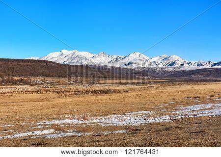 Mountain Range Munku-sardyk