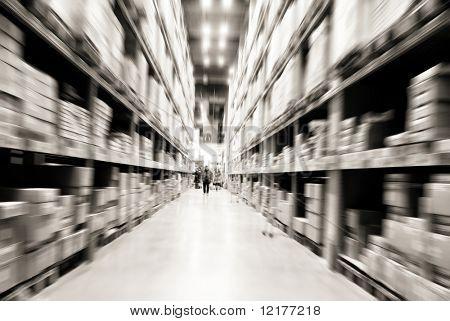 estantes de almacén