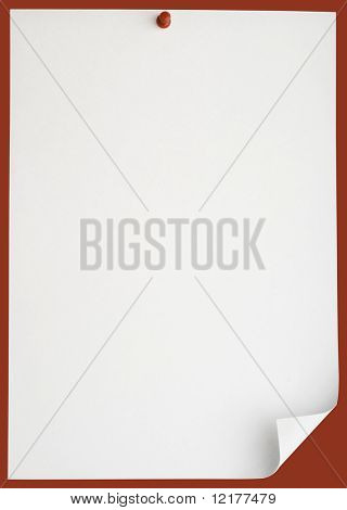 Pushpin pinned single blank note paper