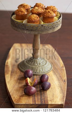 Muffins on cake stand