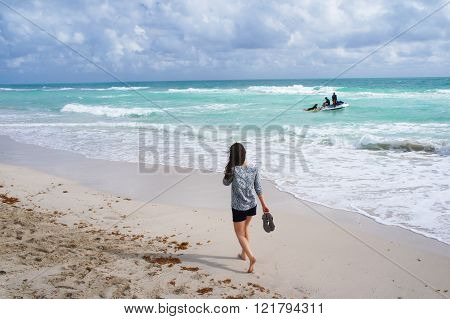 Walking And Rafting At The South Beach Of Miami