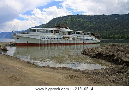 Altai, Russia - June 13, 2013: Old Boat On Teletskoye Lake In Altai Mountains, Russia