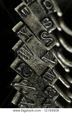 primer plano de la vieja máquina de escribir