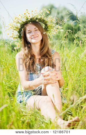 Teen Girl  In Camomiles Chaplet