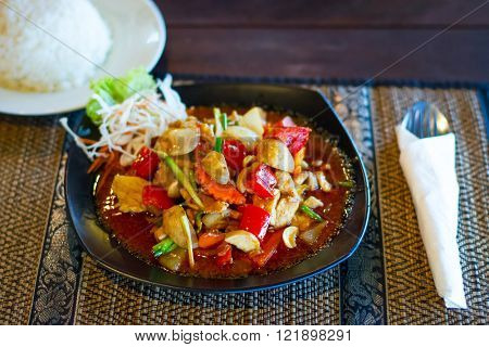 Thai dish with chicken in sweet and sour souce