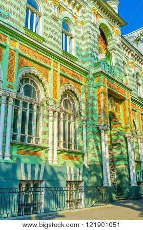 The historical part of Odessa boasts such beautifully decorated mansions made in 19-20 centuries Ukraine.